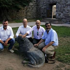 """Representantes de Ciudadanos (C's) visitan la """"Casa del Parque de Babia y Luna"""" para conocer su funcionamiento y estado actual"""