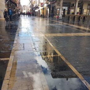 Cs reclama al Ayuntamiento el mantenimiento del adoquinado de la Calle Ancha para evitar resbalones por la lluvia