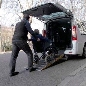 Cs pide que el Ayuntamiento cumpla con la obligación de un 5% de taxis adaptados para personas con movilidad reducida