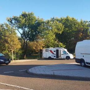 Ciudadanos pide acondicionar un parking de autocaravanas junto al parque La Granja