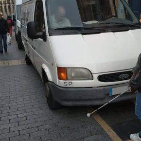 Ciudadanos pide adaptar las calles de plataforma única, como la calle Ancha, para personas con discapacidad visual