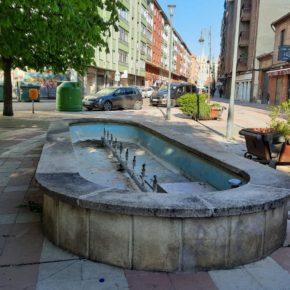 Ciudadanos reclama que se repare o se utilice la fuente abandonada de la calle José María Fernández